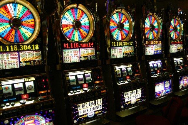 Лучшие игровые автоматы от мировых производителей на Spincity
