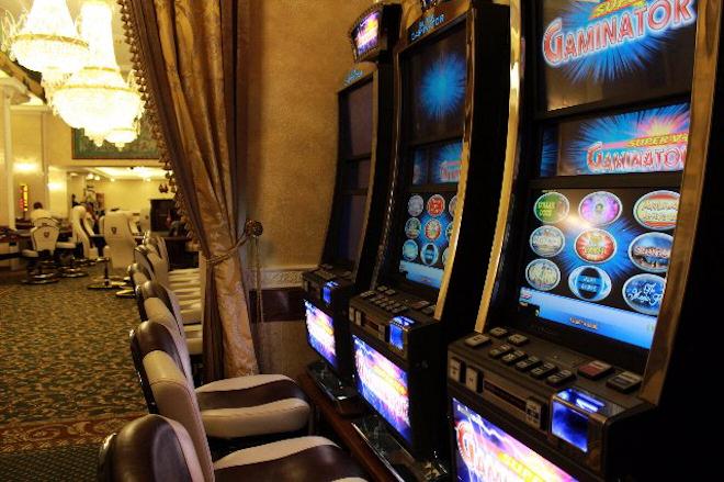 Поймай за хвост удачу с помощью казино Супер Слотс