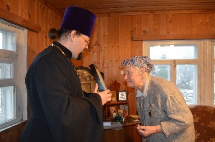 Рязанку наградили медалью «100-летие восстановления Патриаршества в Русской Православной Церкви»