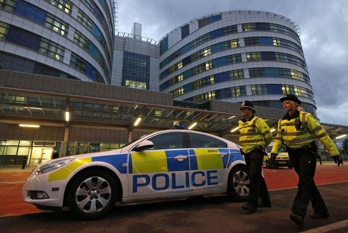 Видео: Британка остановила преступника, подставив ему подножку