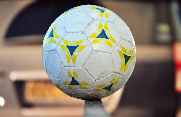 В Рязани школьники сыграли в мини-футбол