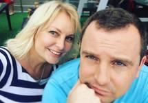 Ольга и Анатолий Курлаевы. Фото с ФБ-страницы пропагандиста