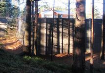Забор дачного поселка в Сестрорецке. Источник: russiangate.com