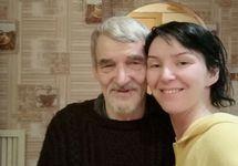 Юрий Дмитриев в дочерью. Фото Екатерины Клодт