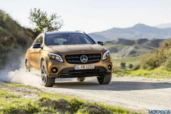 Видео: На дорогах Германии замечен новый Mercedes-Benz GLA
