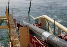 Укладка труб подводного газопровода. Фото: gazprom.ru
