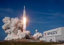 Старт Falcon Heavy. Фото: @SpaceX