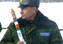 """Владимир Путин с макетом ракеты-носителя """"Молния-М"""". Фото: kremlin.ru"""