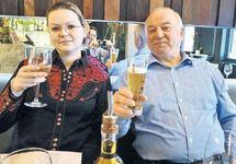 Сергей Скрипаль с дочерью в пиццерии Zizzi. Источник: telegraph.co.uk
