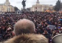 """Митинг в Кемерове. Кадр трансляции """"Говорит Москва"""""""