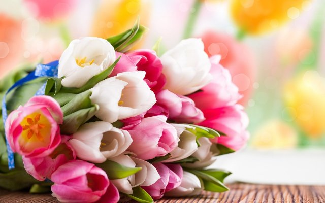 Стоит ли заказывать цветы с доставкой в интернет-магазине?