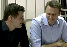 Братья Олег и Алексей Навальные в зале Замоскворецкого суда Москвы. Кадр Грани-ТВ