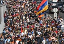 Демонстранты в Ереване. Фото: svoboda.org