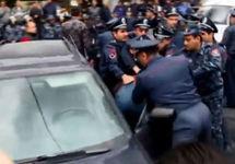 Задержание протестующих водителей в Ереване. Фото: azatutyun.am