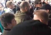 Столкновения у Сахаровского центра. Кадр видео Олега Еланчика