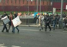 """Задержание психоактивистов. Фото с ВК-страницы """"Колонна психоактивистов на 1 мая"""""""