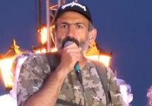 Никол Пашинян на митинге, 02.05.2018. Кадр трансляции