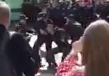 Задержание Алексея Соловьева. Кадр видео с youtube-канала Насти Ясеницкой