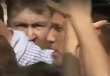 """Алексей Навальный на Пушкинской, 05.05.2018. Кадр видео """"Радио Свобода"""""""