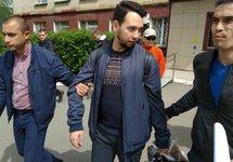 Задержание Бориса Золотаревского. Фото Александра Беляева, источник: zona.media