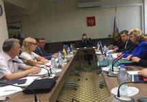Переговоры омбудсменов. Фото: ФБ-страница Людмилы Денисовой