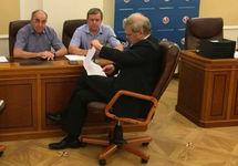 Сергей Митрохин в Мосгоризбиркоме. Фото с личной ФБ-страницы