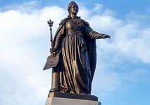 Памятник ЕкатеринеII в аннексированном Симферополе. Фото: Википедия