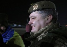 Петр Порошенко на встрече с освобожденными из плена. Фото: president.gov.ua