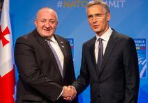 Георгий Маргвелашвили и Йенс Столтенберг. Фото: nato.int