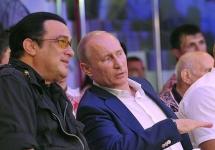 Стивен Сигал и Владимир Путин. Фото пресс-службы Кремля