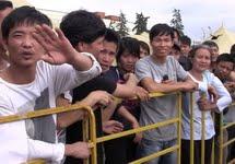 Вьетнамские мигранты в концлагере. Москва, Гольяново, 2013. Фото Дмитрия Зыкова/Грани.Ру