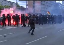 Столкновения в Хемнице. Кадр видео Би-Би-Си