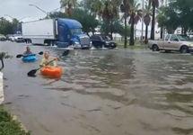 Наводнение в Северной Каролине. Кадр видео из твиттера @KPRC2RoseAnn