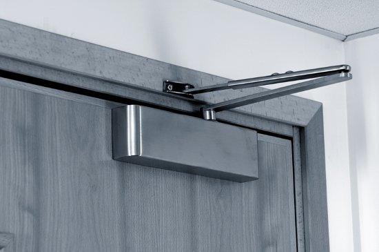 Дверные доводчики и их польза
