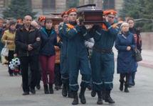 В Керчи похоронили жертв расстрела в колледже