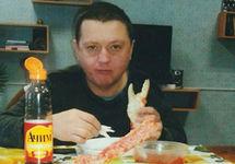 Участник банды Цапков отправлен в ШИЗО после фотографий с икрой и шашлыками