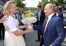 Министры иностранных дел России и Австрии обсудили шпионский скандал