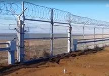 Россия достроила заграждение на границе Крыма и континентальной Украины