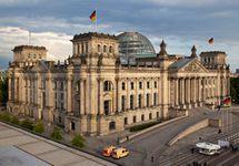 В интернете опубликованы личные данные сотен германских политиков, включая Меркель