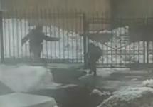 В Нижнекамске у районного УМВД зарезали полицейского