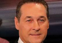Вице-канцлер Австрии Штрахе ушел в отставку из-за скандала с российским финансированием